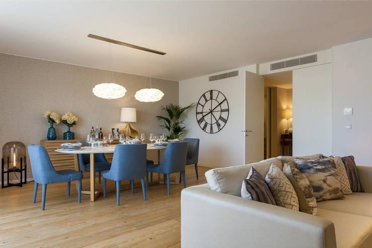 Sala Comum: Sala de jantar  por Traço Magenta - Design de Interiores,