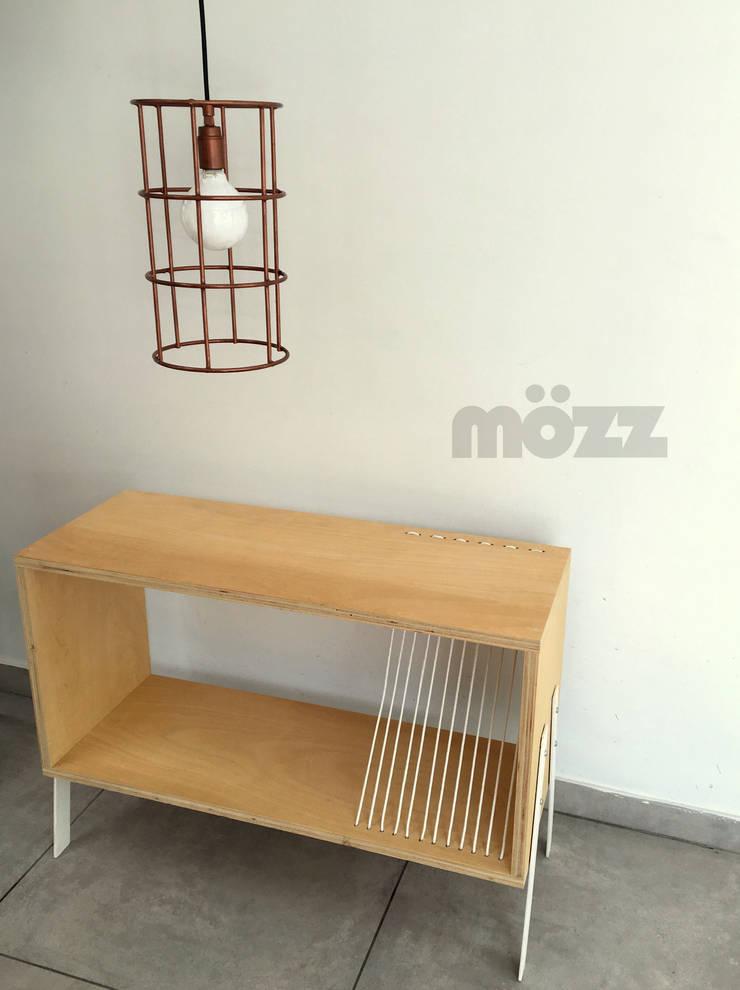 Dormitorios de estilo  por MÖZZ