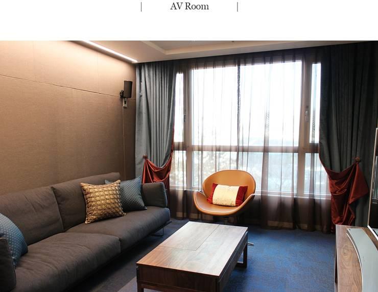 분당 주상복합 파크뷰 AV룸: 모린홈의  방