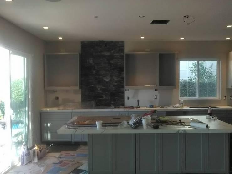 Remodelación Casa Neal : Cocinas de estilo  por CA ARQUITECTOS