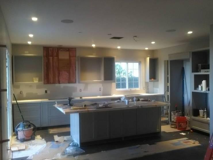 Remodelación Casa Neal : Cocina de estilo  por CA ARQUITECTOS