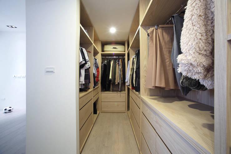غرفة الملابس تنفيذ 直譯空間設計有限公司