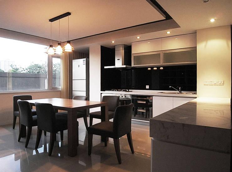 modern Kitchen by 直譯空間設計有限公司