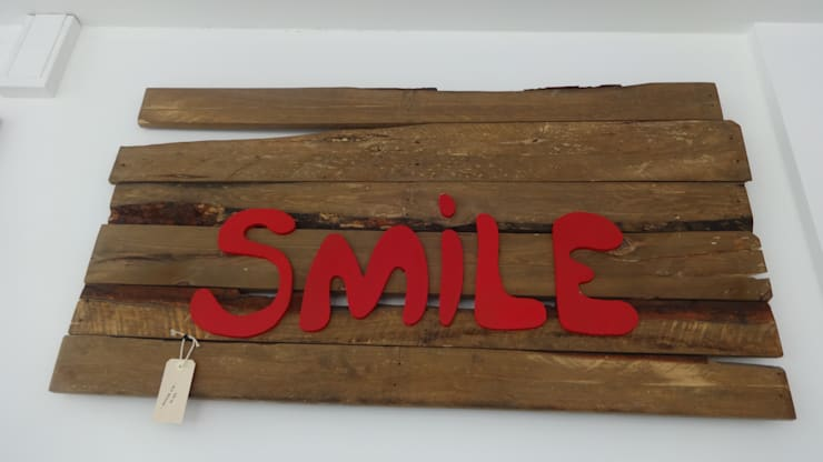 Placa decorativa Smile : Arte  por Interior Vivo,