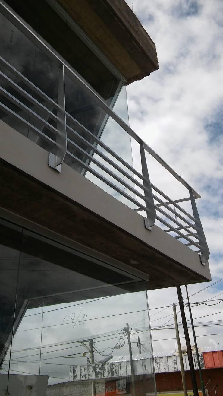 Locales Comerciales en salta: Casas de estilo  por MAJA arquitectura & construcción,Moderno Madera Acabado en madera