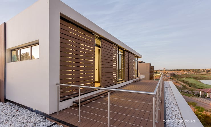 Contemporary House:  Houses by Gottsmann Architects, Modern Wood-Plastic Composite
