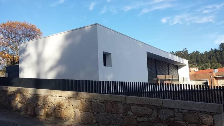 Os materiais:   por NORTVIL - Arquitectura e Construção,