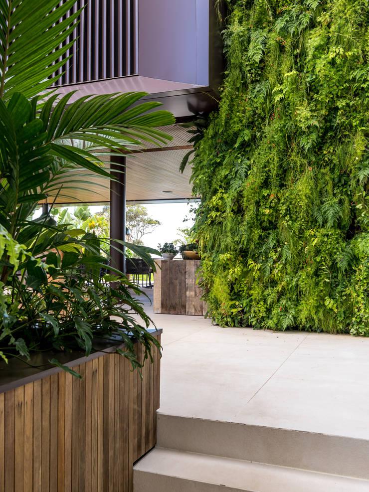 Garden by Daniel Nunes Paisagismo