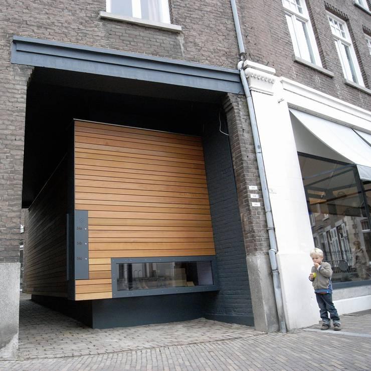 """Verbouwing schoenwinkel """"Sjieke Sjeun"""" Meerssen:  Winkelruimten door gorissendeponti ontwerpers + makers"""