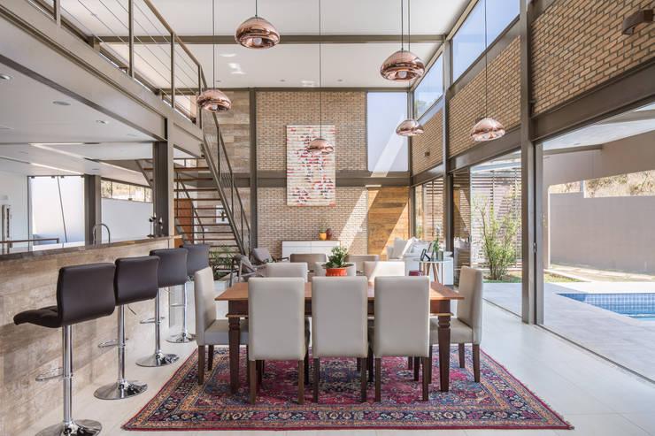 Dining room by Joana França, Modern
