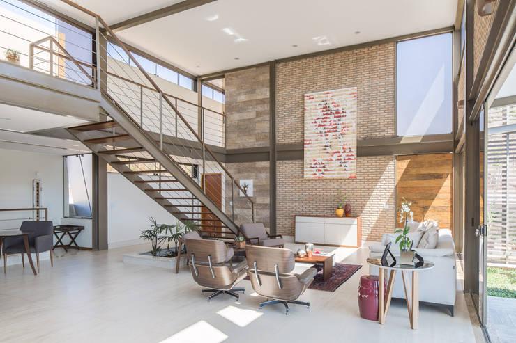 Living room by Joana França, Modern