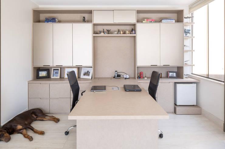 Estudios y oficinas de estilo  por Joana França