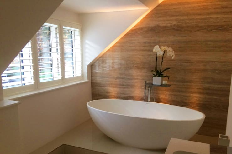 Mixed Photos: minimalistic Bathroom by Plantation Shutters Ltd