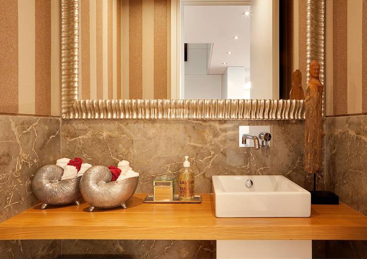 Apartamento Lisboa:   por 3L, Arquitectura e Remodelação de Interiores, Lda
