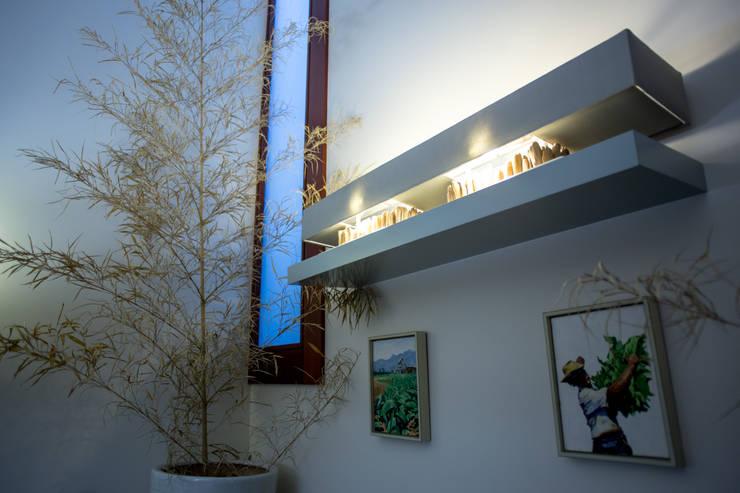 Comedores de estilo ecléctico de José António Andrade Interiors Ecléctico