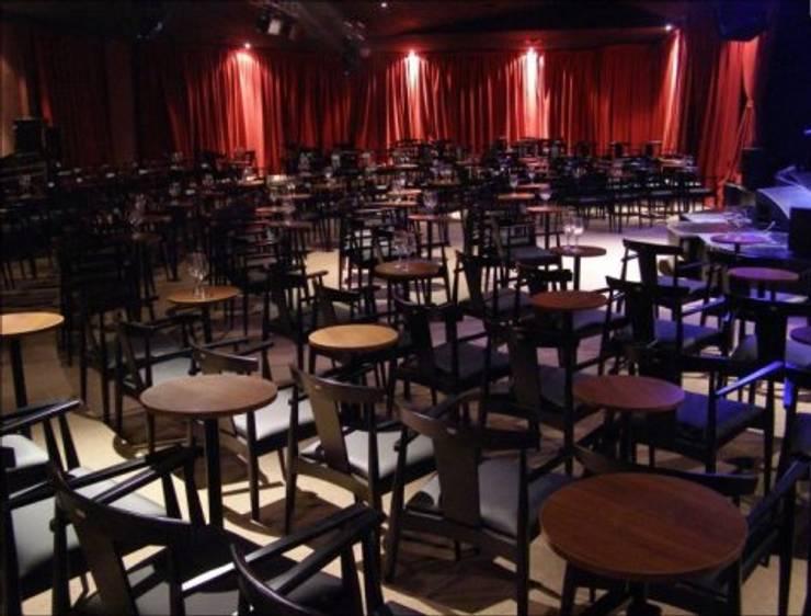 Salon: Bares y Clubs de estilo  por SSA design studio