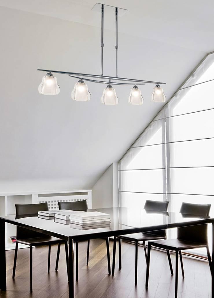 LAMPARAS DE TECHO: Comedores de estilo  por Angelo Luz + Diseño