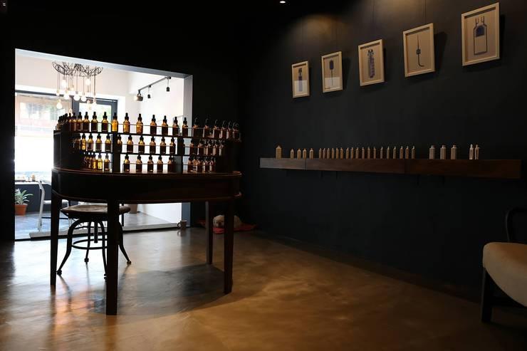 73 Perfumery: 스튜디오 이심전심 Studio 李心田心의  방