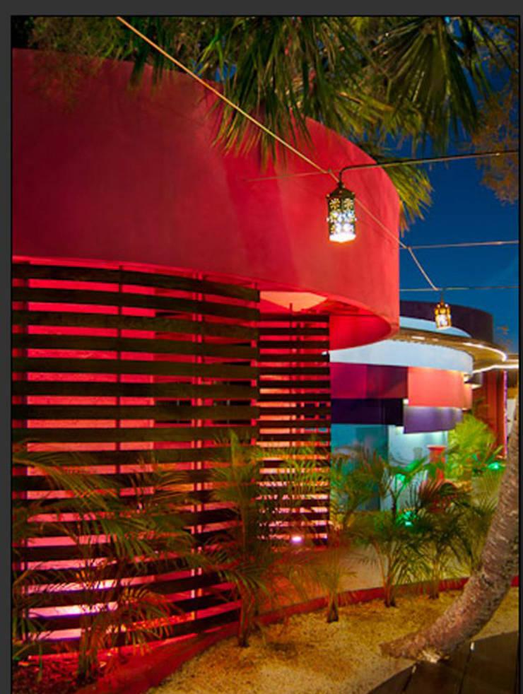 Baños de estilo  por FRACTAL CORP Arquitectura, Moderno