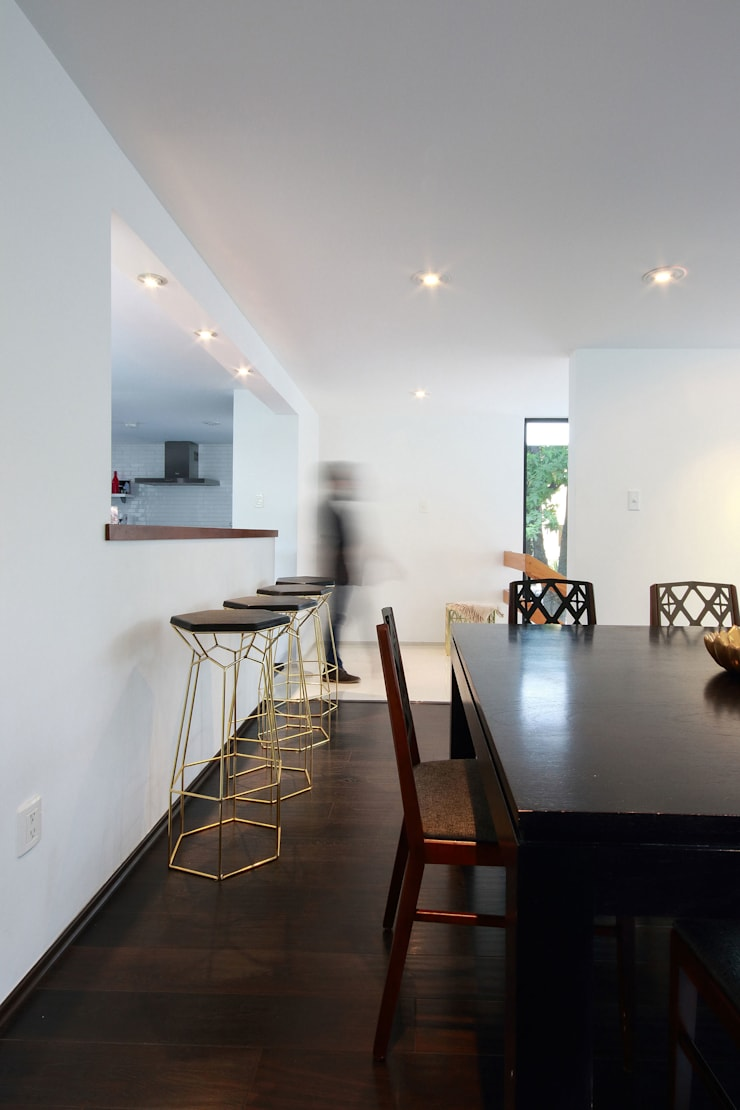 Ampliación de casa en Ciudad de Mexico – Casa BG: Comedores de estilo  por All Arquitectura, Minimalista