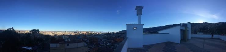 Terraza: Terrazas de estilo  por FARIAS SAS ARQUITECTOS,