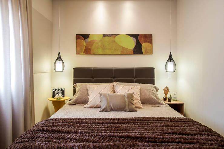 غرفة نوم تنفيذ Amanda Pinheiro Design de interiores