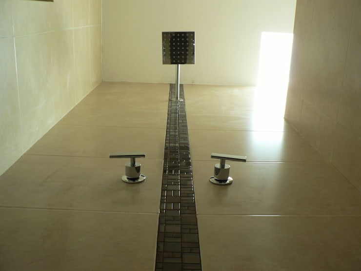 Casa FAH: Baños de estilo  por ARQMA Arquitectura & Diseño