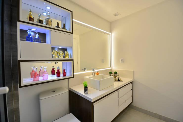 Casa de banho  por Graça Brenner Arquitetura e Interiores,