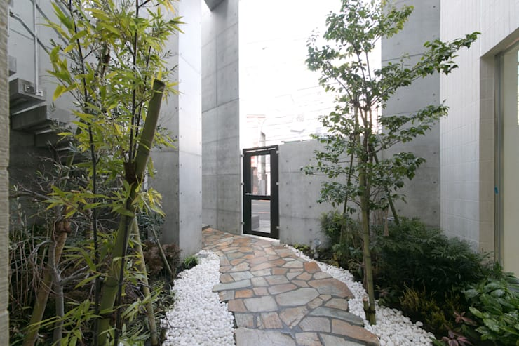 Jardines de estilo  por 株式会社YDS建築研究所