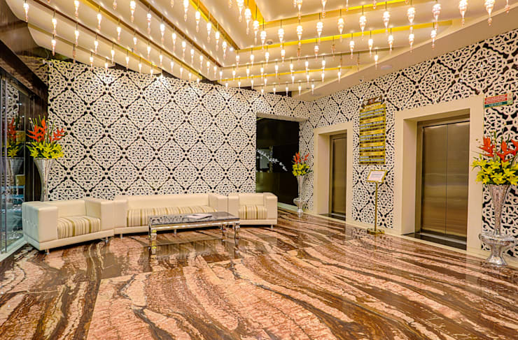 Hotel Savvy Grand:  Hotels by Studio Interiors Infra Height Pvt Ltd,Modern