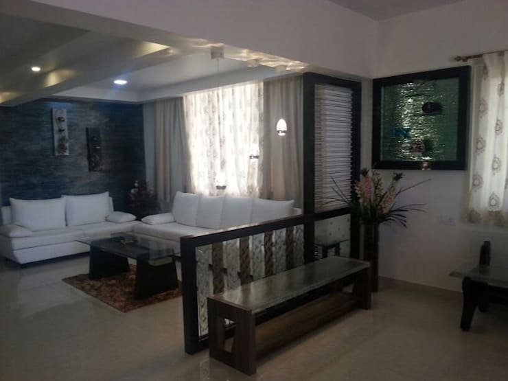 Interior Designer:  Dining room by SAKUTEKI - Interior And Landscape Designers(consultants and executers)