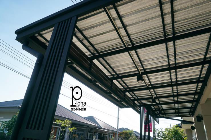 Garajes de estilo  por P-lona