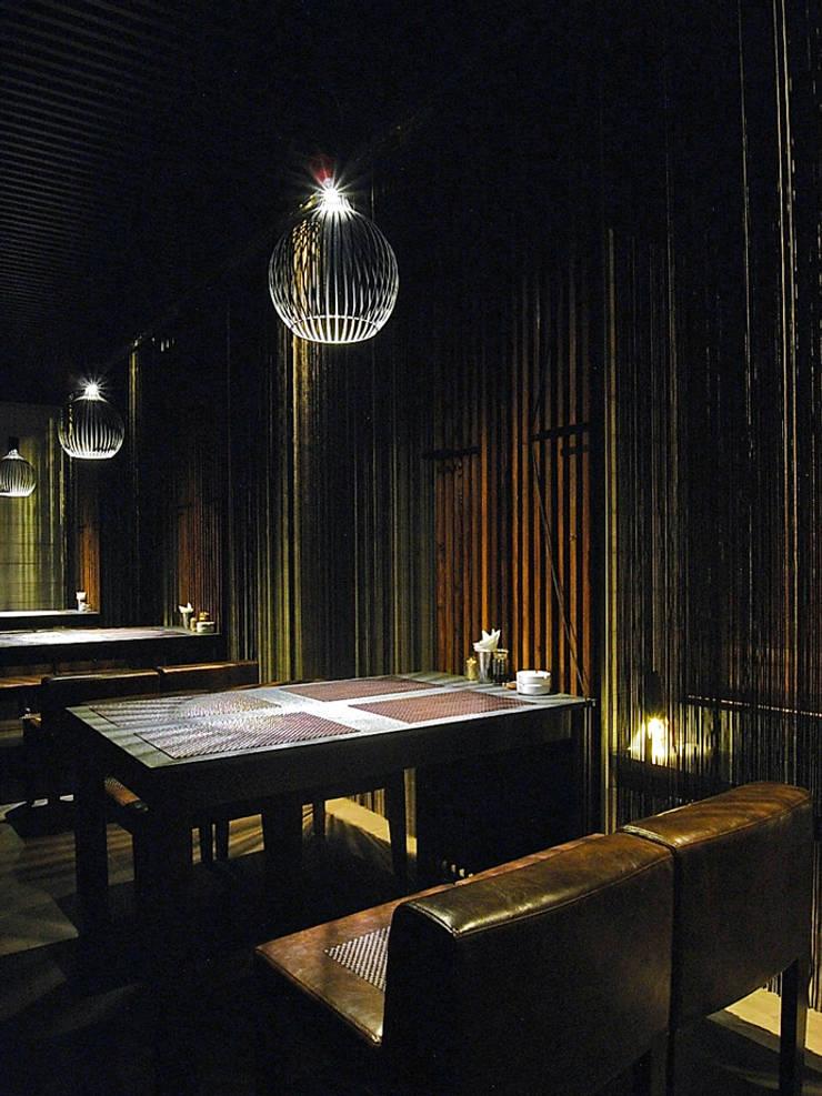 天津 德川日式料理2樓:  辦公室&店面 by 直譯空間設計有限公司