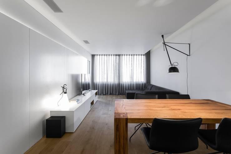 Livings de estilo  por PAULO MARTINS ARQ&DESIGN