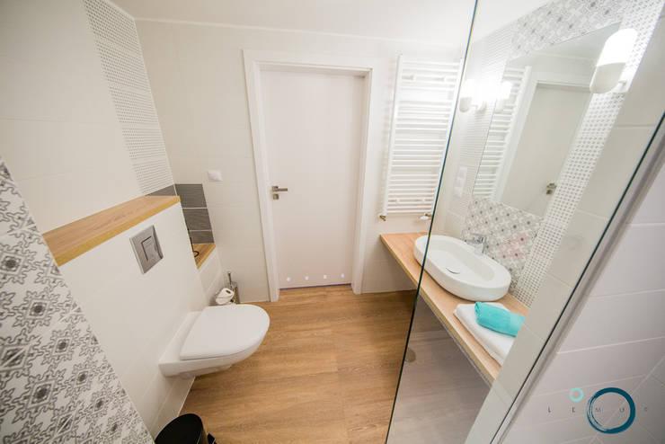 Moderne Badezimmer von LEMUR Architekci Modern
