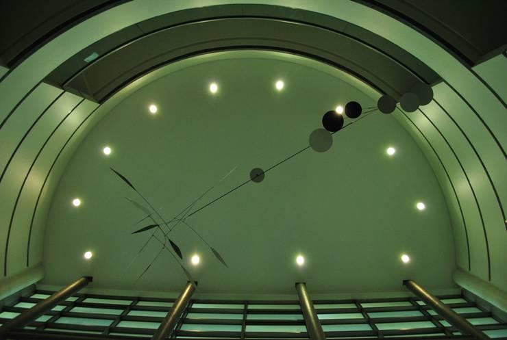 Móvil aéreo.: Arte de estilo  por Brito Arte y Diseño