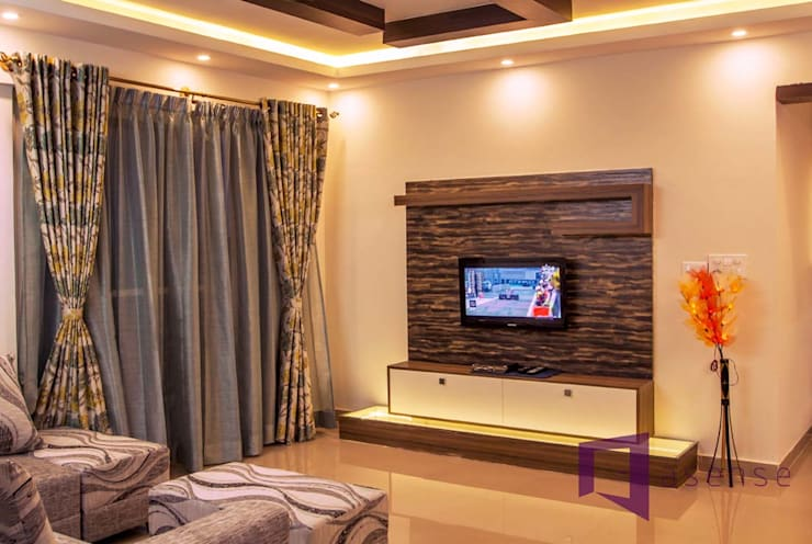 AMIT & SURVI'S INTERIOR IN MERA HOMES APARTMENT, KADUGUDI:  Living room by Asense