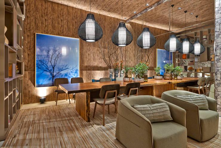 Comedores de estilo rústico por Luciana Savassi Guimarães arquitetura&interiores