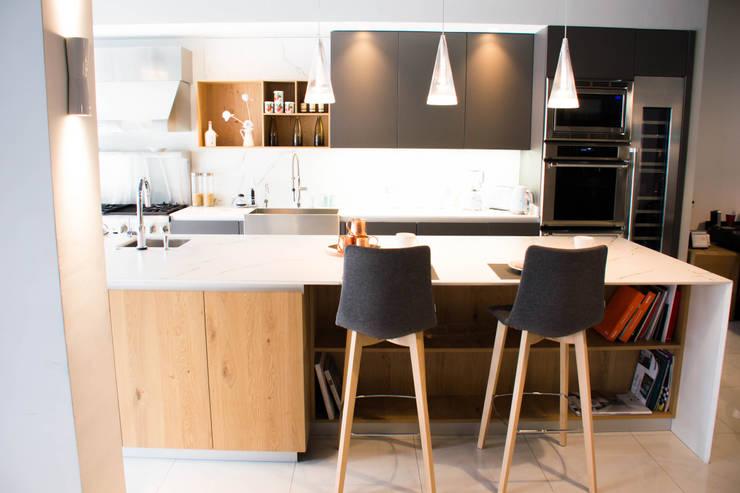 Cocinas de estilo  por ARTE CUCINE/ PEDINI SAN ANGEL