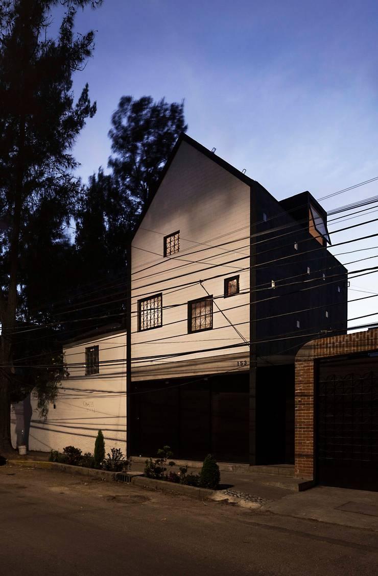 Casa Xomalli: Casas de estilo  por DMP Arquitectura, Moderno