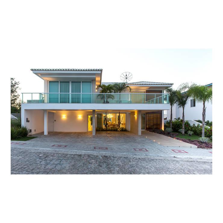 Casas de estilo moderno por Quattro Arquitetura