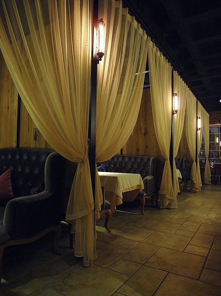 天津 DELIGHTS餐廳2樓:  辦公室&店面 by 直譯空間設計有限公司
