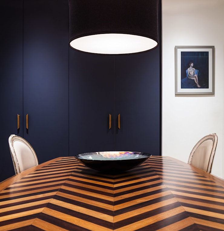 Zig Zag dining table: modern Dining room by Wood'n design