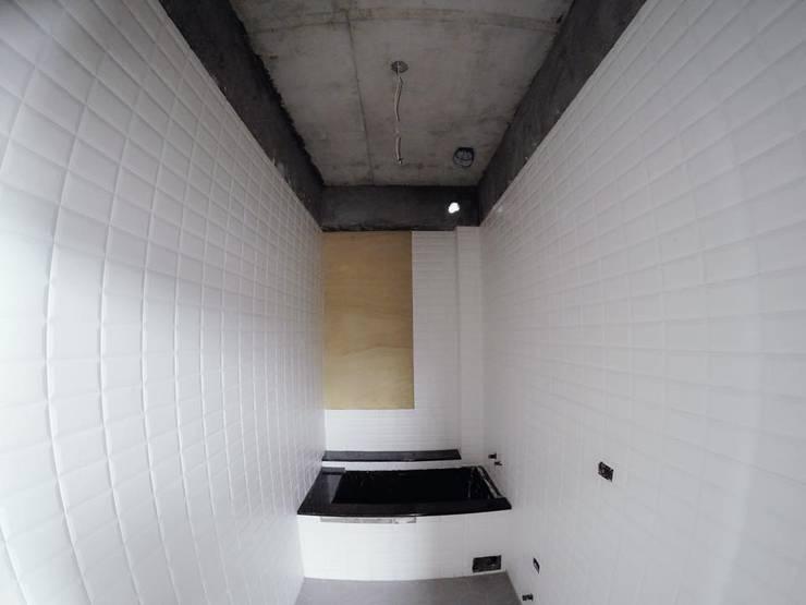 別墅施作中-記錄:  浴室 by 光島室內設計