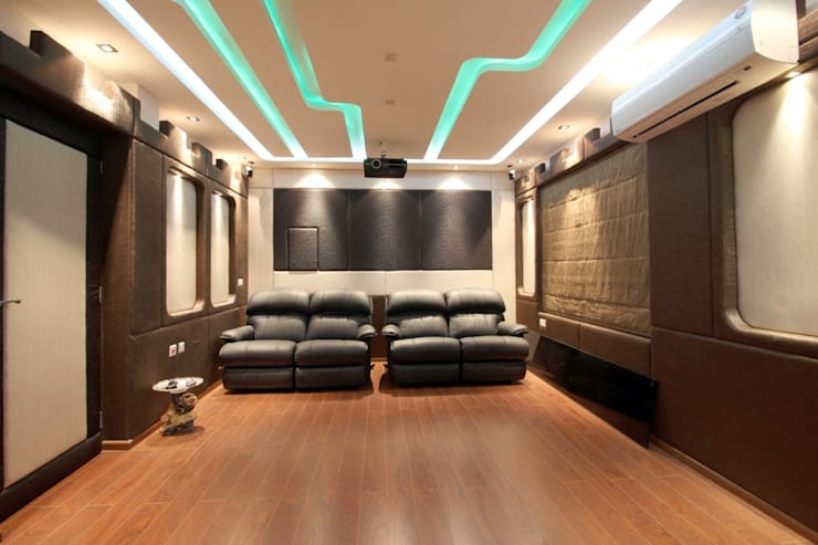Interior Decoration: modern Media room by The Inner Story