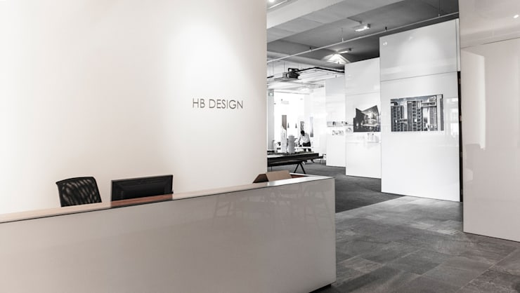 Reception:  Offices & stores by HB Design Pte Ltd,