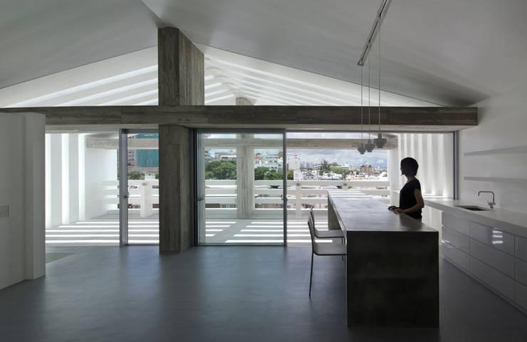 2階LDK: 森裕建築設計事務所 / Mori Architect Officeが手掛けたリビングです。