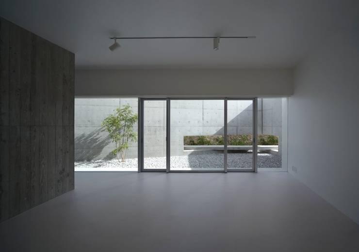 1階リビング: 森裕建築設計事務所 / Mori Architect Officeが手掛けたリビングです。