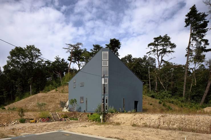 Projekty, nowoczesne Domy zaprojektowane przez 藤原・室 建築設計事務所
