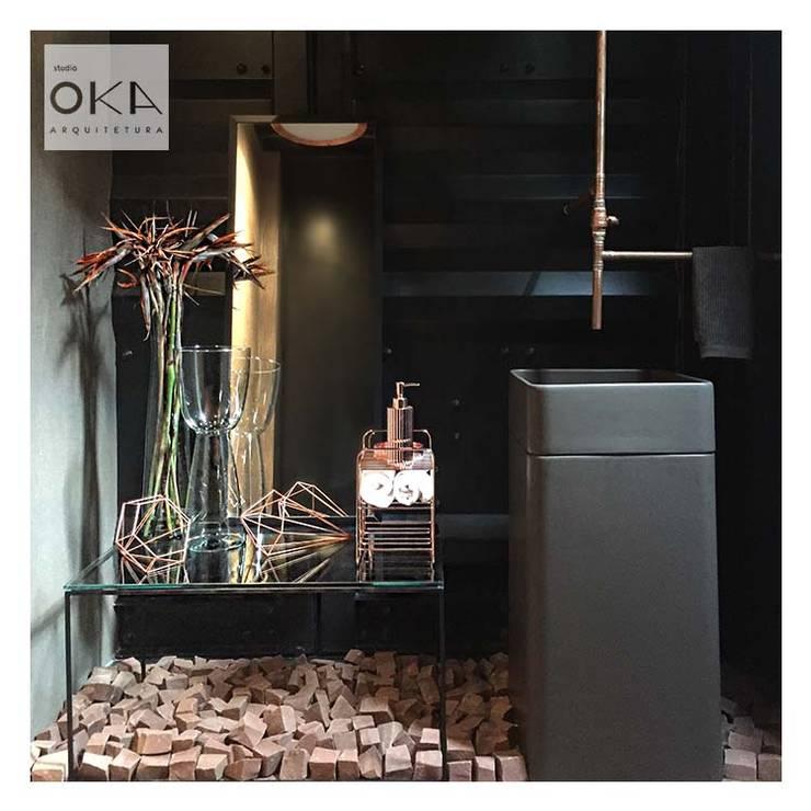 Projeto Comercial em Sorocaba: Banheiros industriais por Alessandra Orsi - Studio OKA Arquitetura